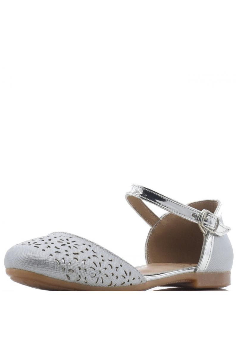 Туфли для девочки с перфорацией на носу, серебристые