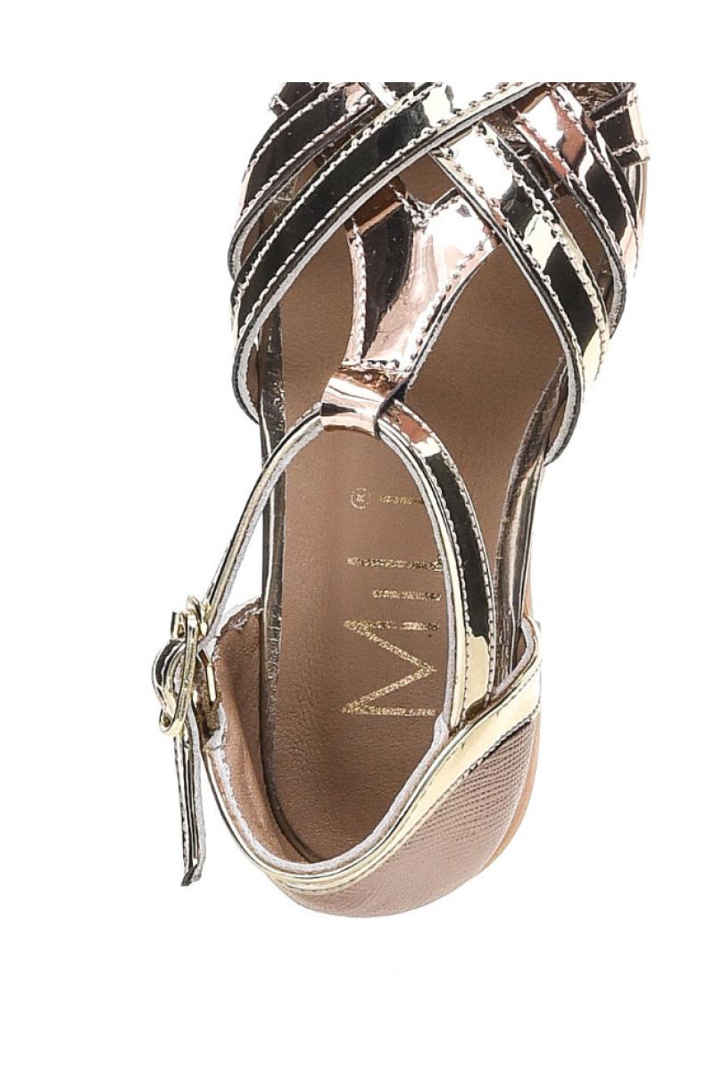 Туфли для девочки с переплетом, золотые