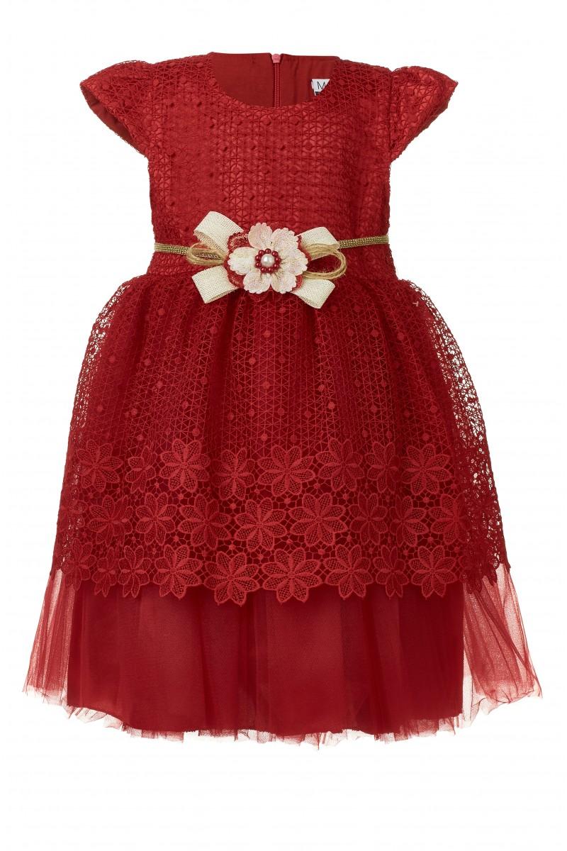 Нарядное  платье красного цвета
